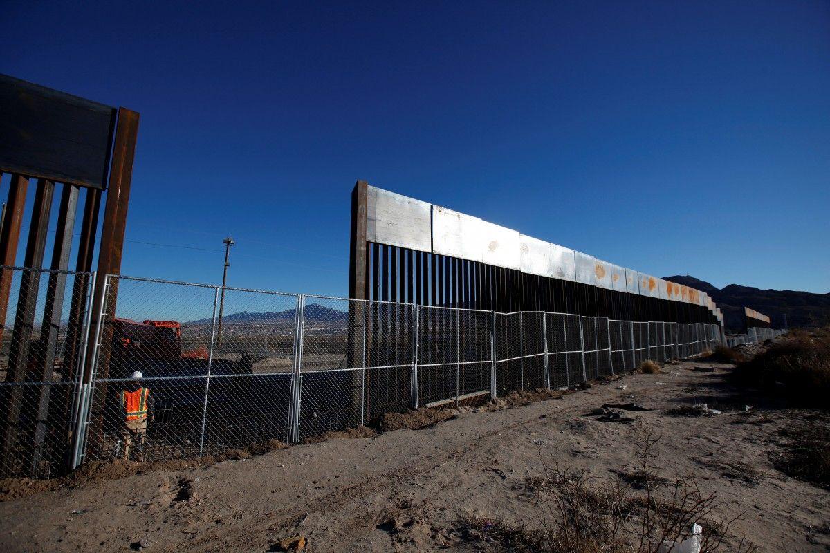 Стена на границе с Мексикой / REUTERS