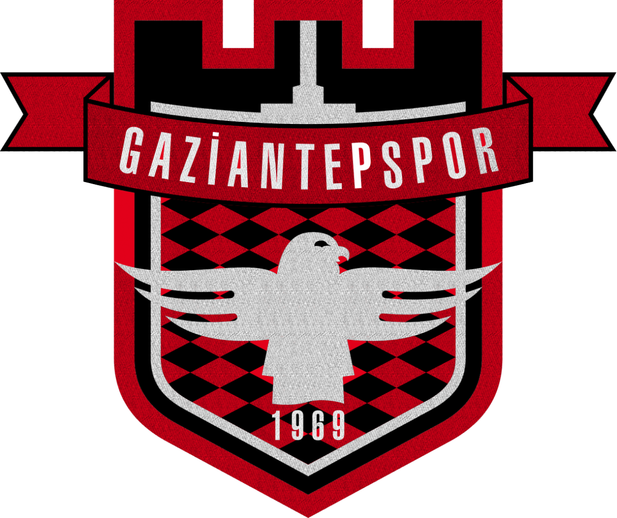Голкипер дубля Газиантепспора пропустил мяч после столкновения с собственным защитником / TurkceSpiker.Com