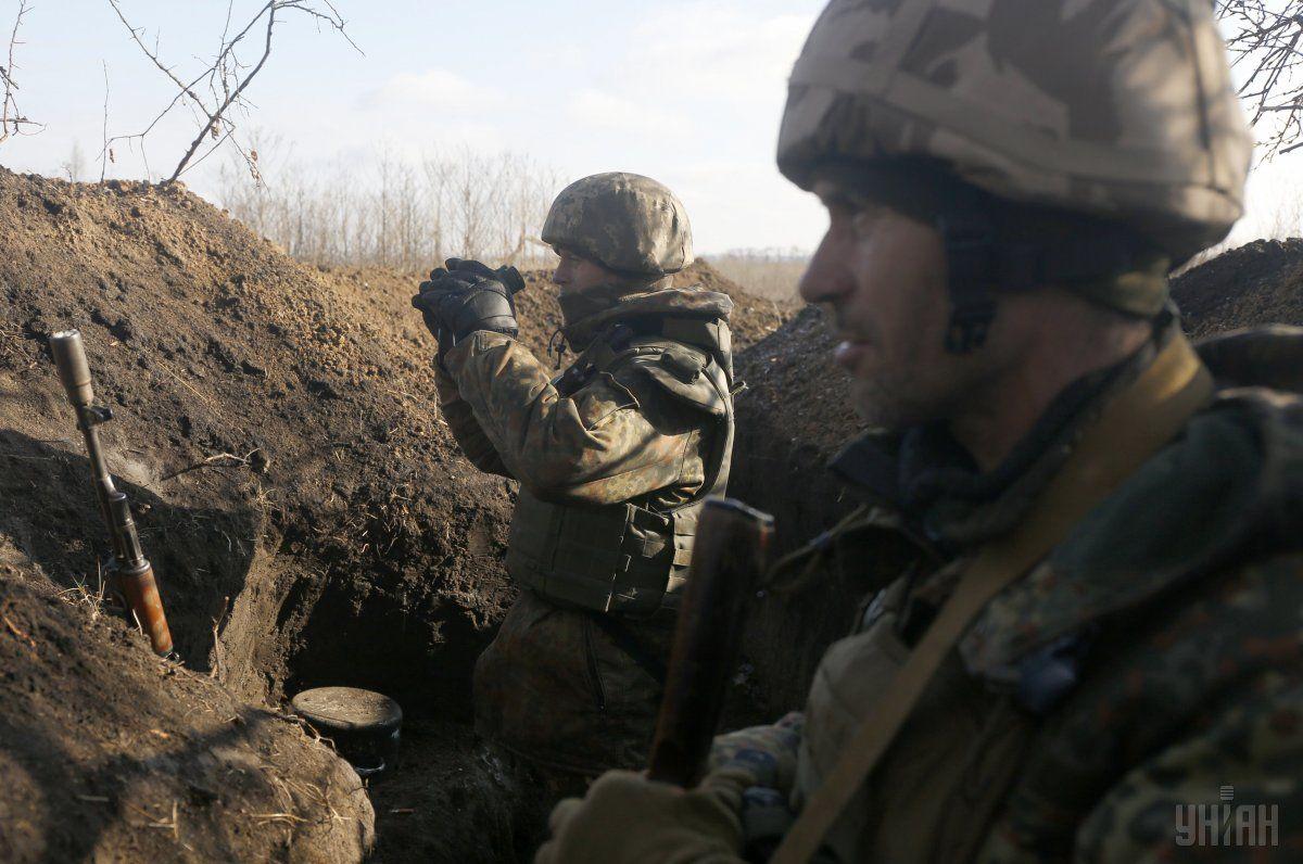 Оккупанты продолжают стрелять по позициям ВСУ / фото УНИАН