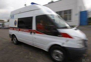 У Києві хлопець випав з балкону на 8 поверсі, спілкуючись з дівчиною
