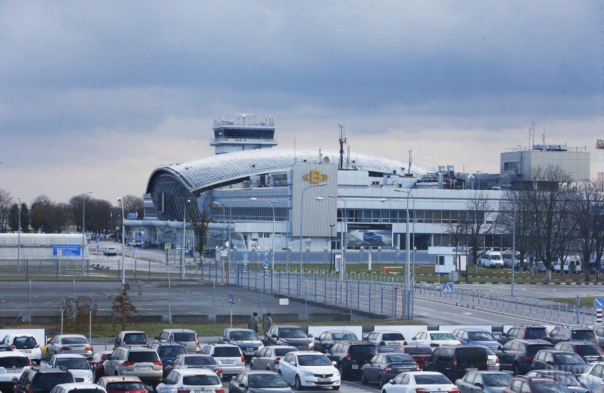 """Поліція в аеропорту """"Бориспіль"""" затримала чиновника / фото УНИАН"""