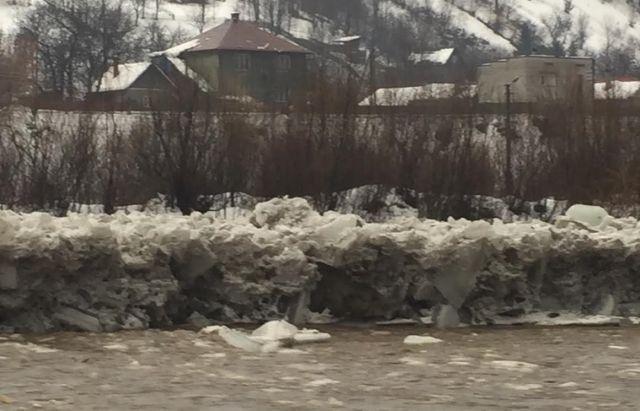 За даними УДСНС, підтоплення зафіксовані в Перечинському, Іршавському, Тячівському, Свалявському, Мукачівському, Рахівському та Хустському районах / mukachevo.net