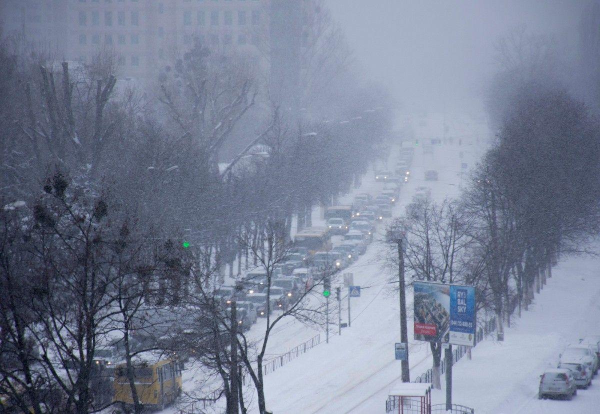 Київ зупинився у 10-бальних заторах через сильний снігопад / Oleg Katkov, Facebook
