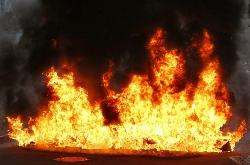 Вогнем знищено тюки з соломою на відкритій території площею 20 м кв та 1 дерево / Фото УНІАН
