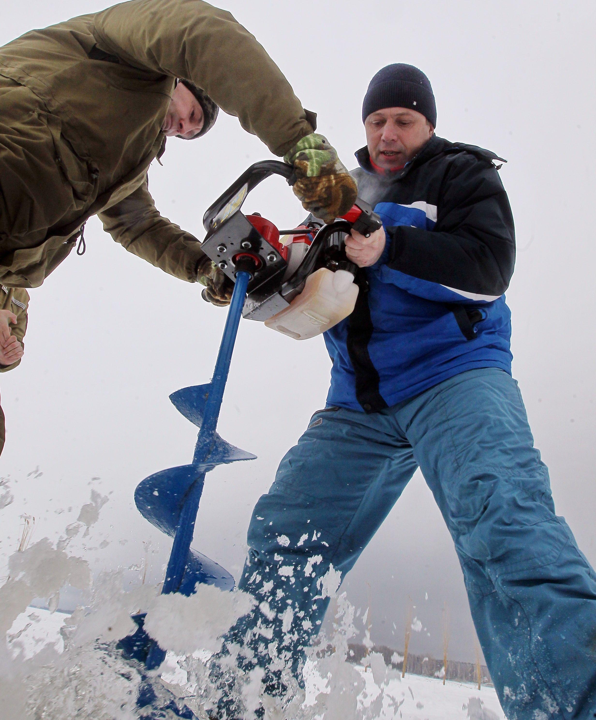 На київському водосховищі рятували рибу / Асоціація рибалокАсоціація рибалок