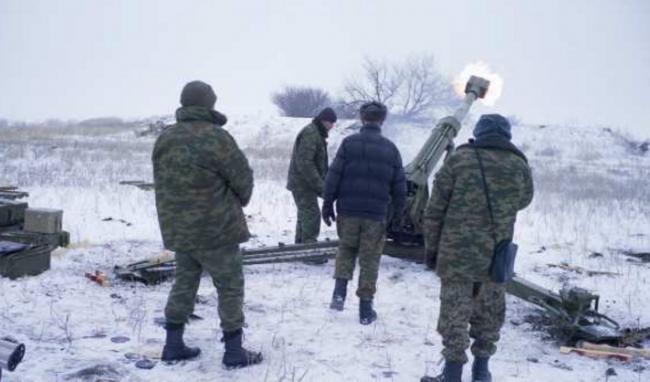 Боевики стреляют из тяжелого вооружения / фото sprotyv.info