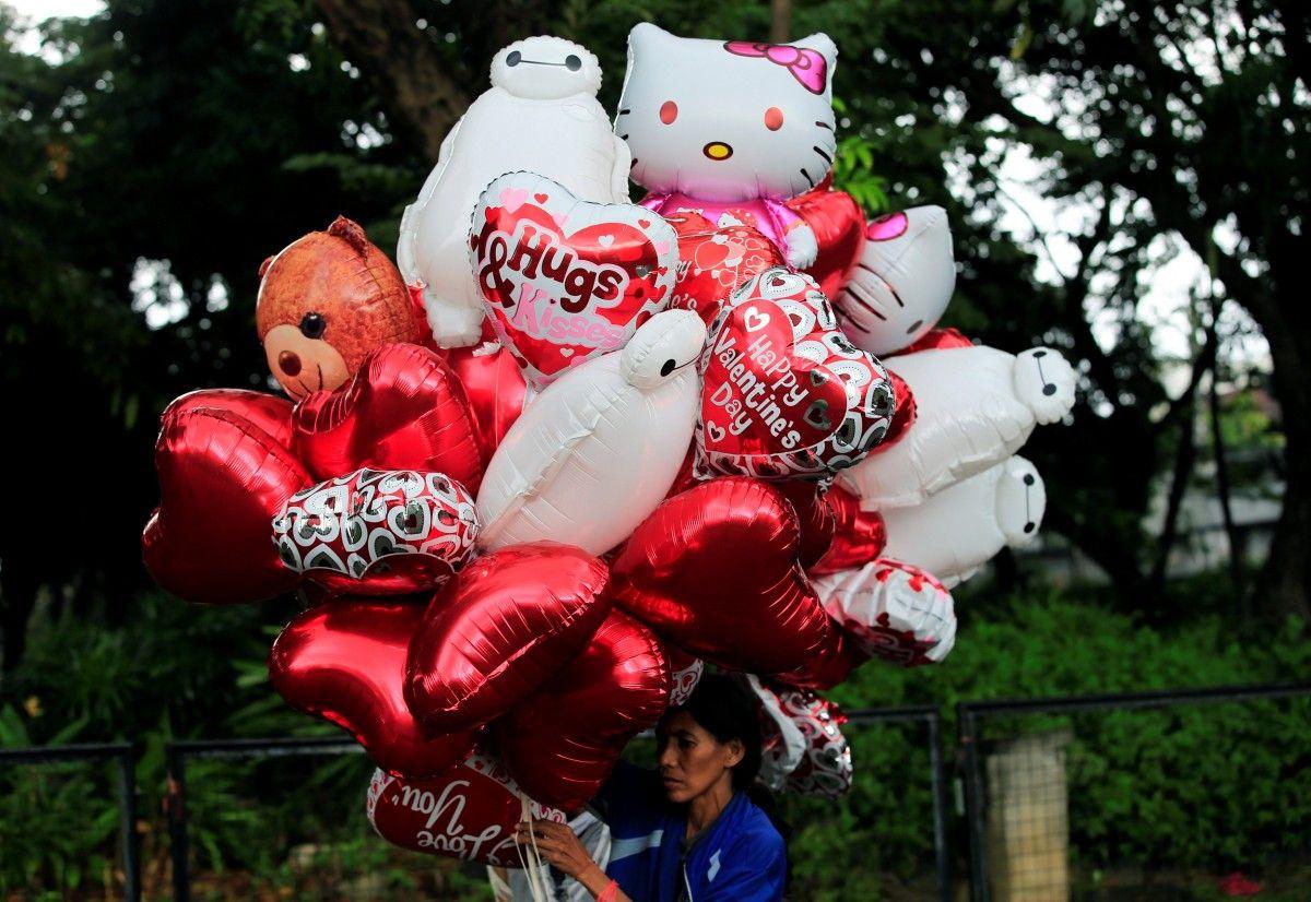 14 февраля - День всех влюбленных, или День святого Валентина / иллюстрация / REUTERS