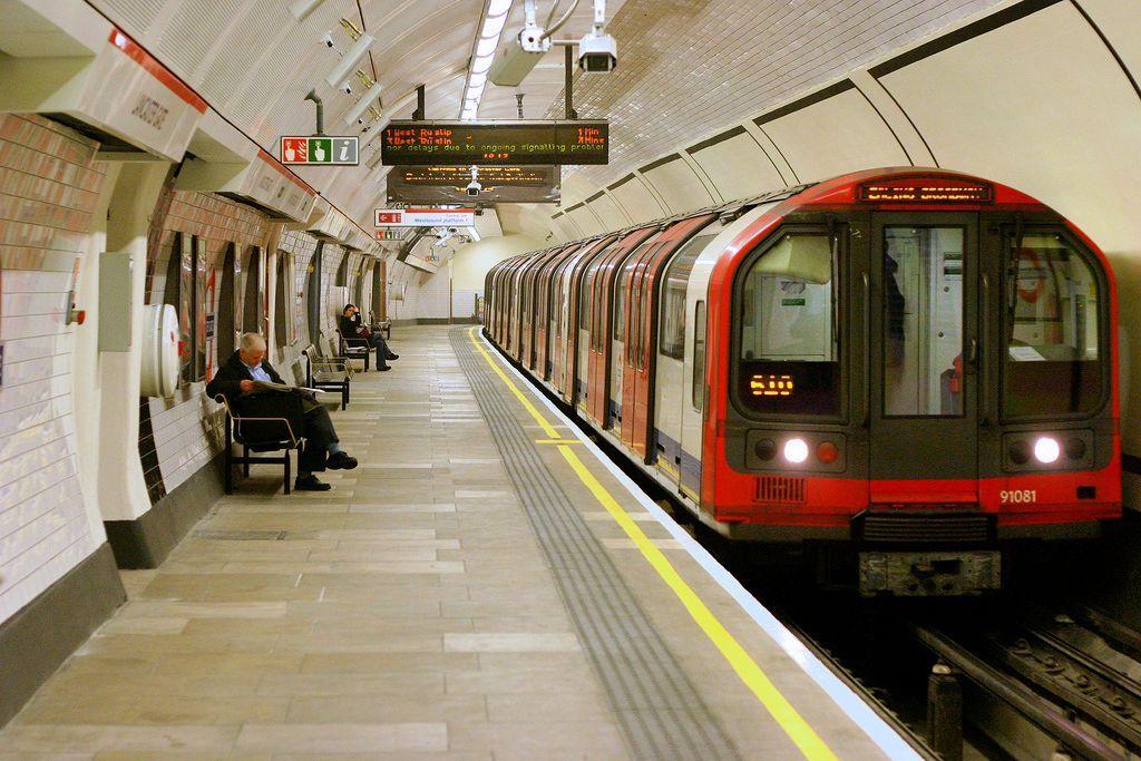в Лондонском метро более вредный воздух, чем на дорогах / tompagenet (Tom Page)