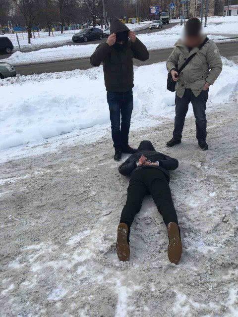 Чиновник Держпраці вимагав хабара / facebook / Надежда Максимец