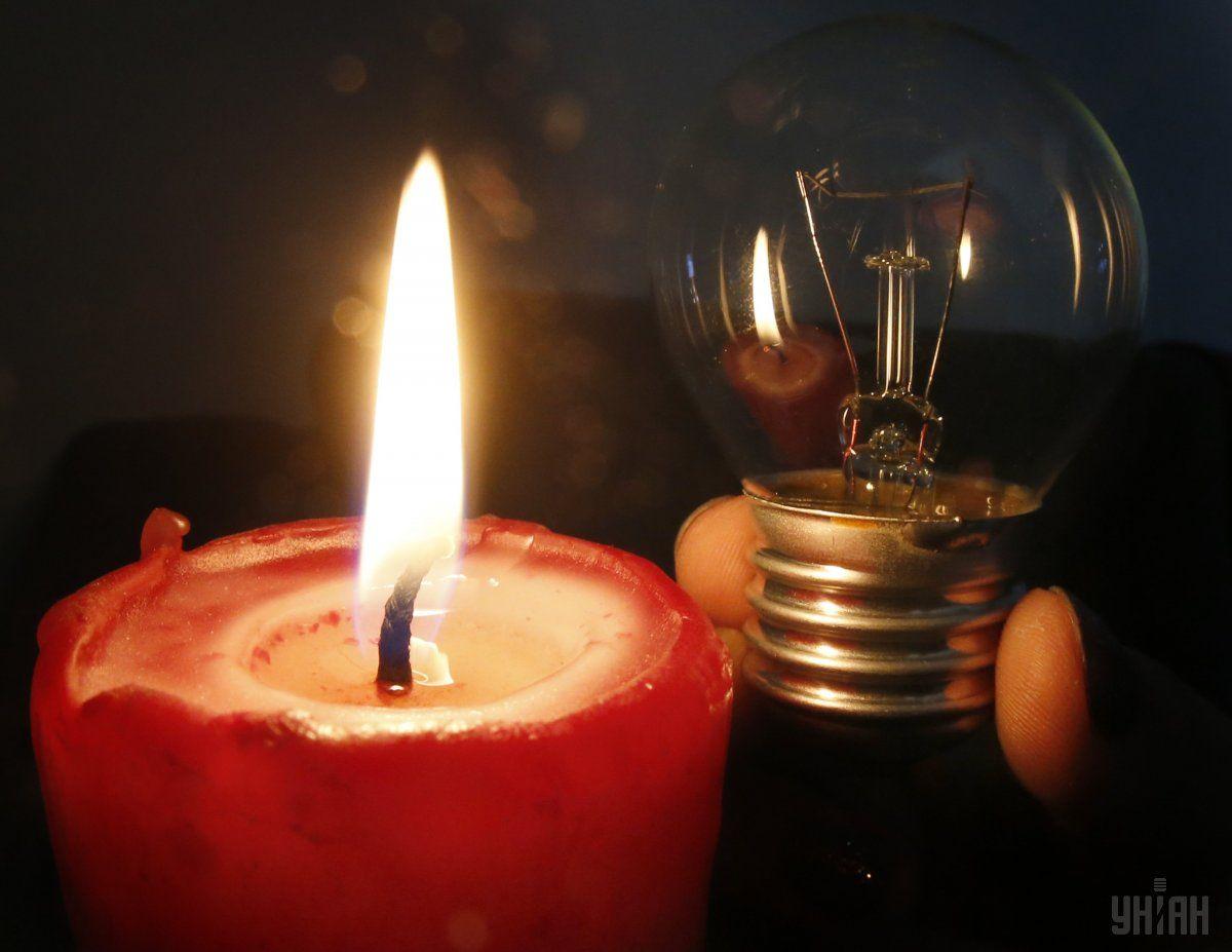 Из-за непогоды без света остаются 104 населенных пункта / Фото УНИАН