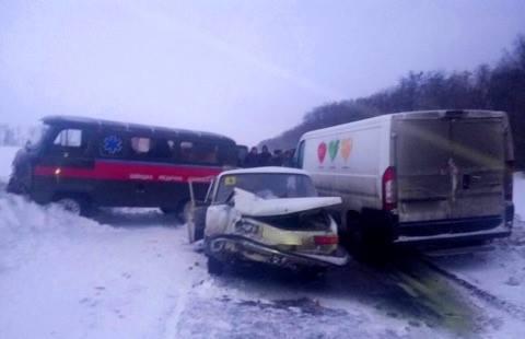 На Харьковщине произошло тройое ДТП / 057.ua
