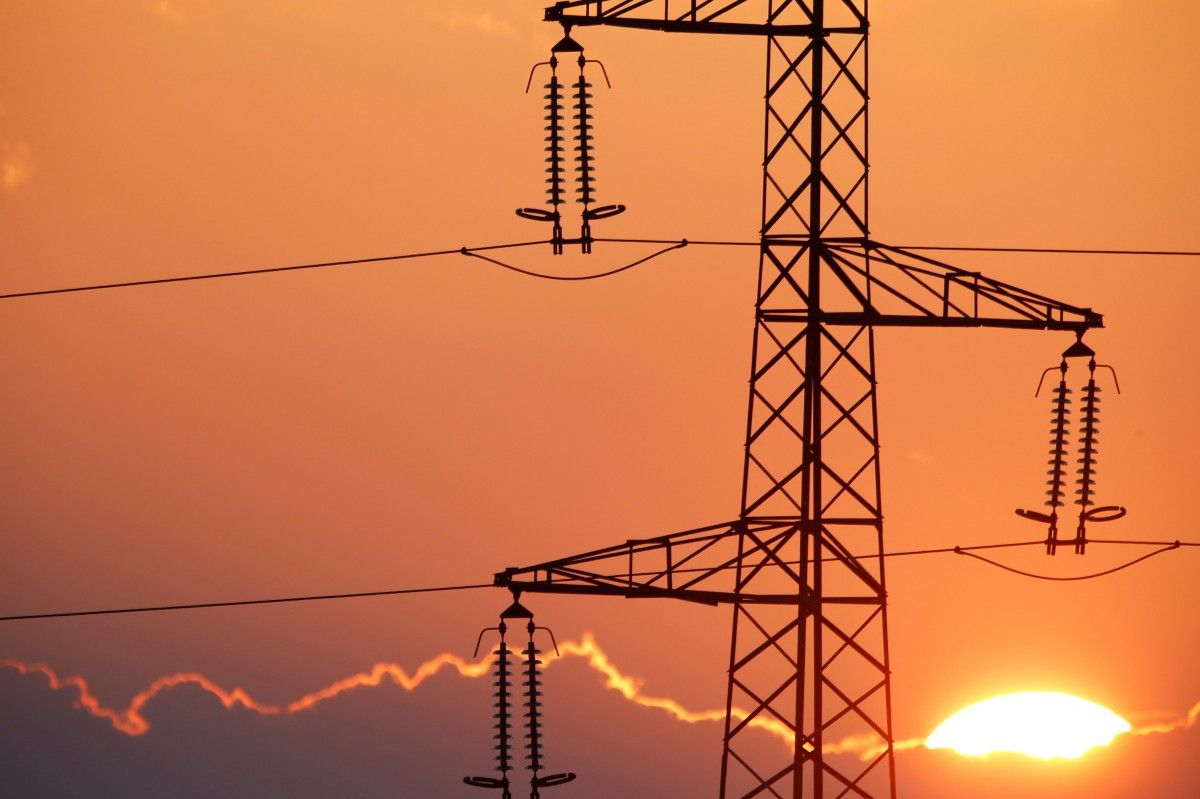 Україна скоротила виручку за експорт електроенергії / REUTERS