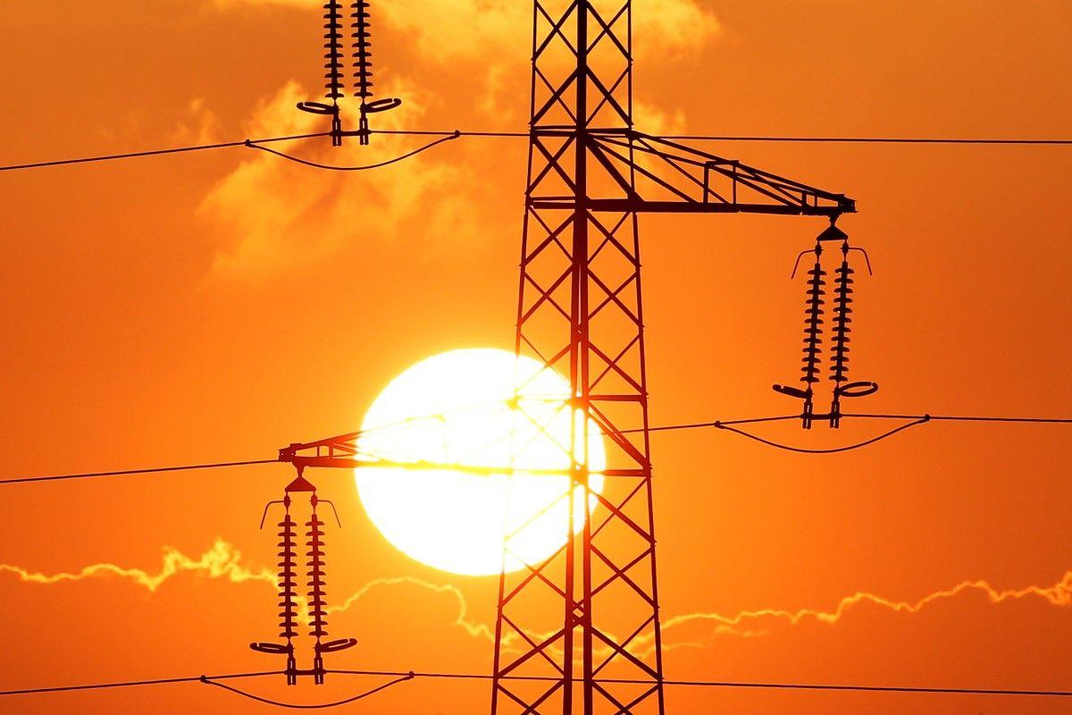 В Україні хочуть підвищити тариф на передачу електроенергії / REUTERS