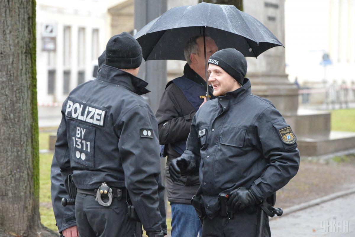В Мюнхене десятки тысяч людей вышли на протестную акцию / фото УНИАН