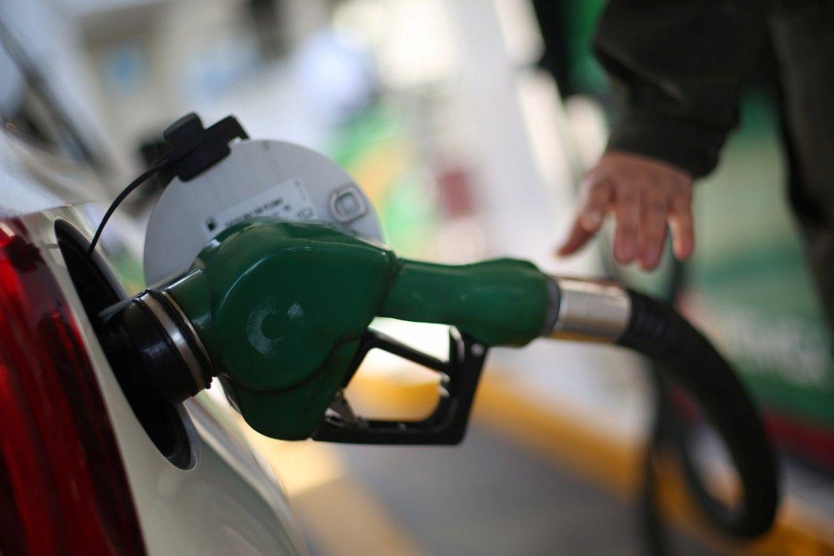 Близько 40 відсотків українського роздрібного ринку палива промишляють скрутками / Ілюстрація REUTERS