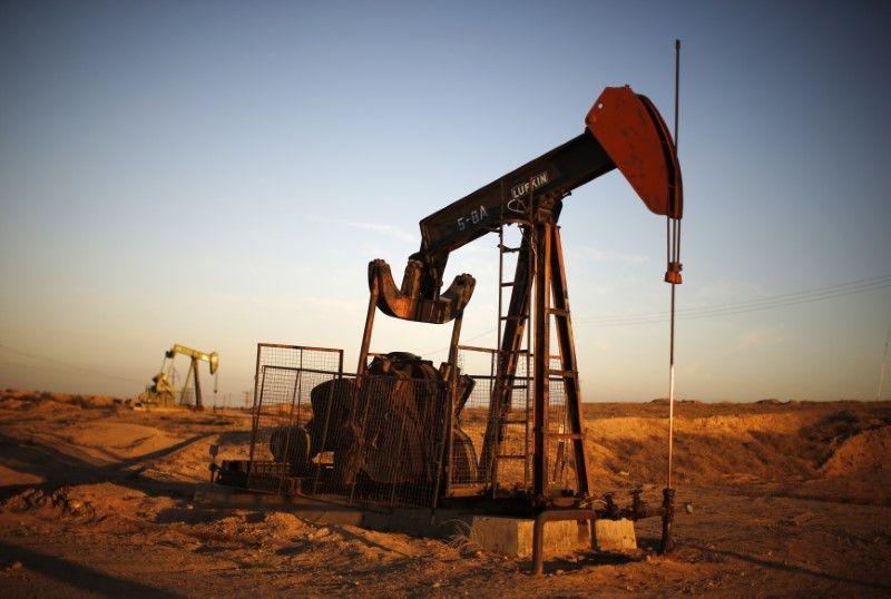 Цена нанефть Brent упала ниже 51 доллара забаррель