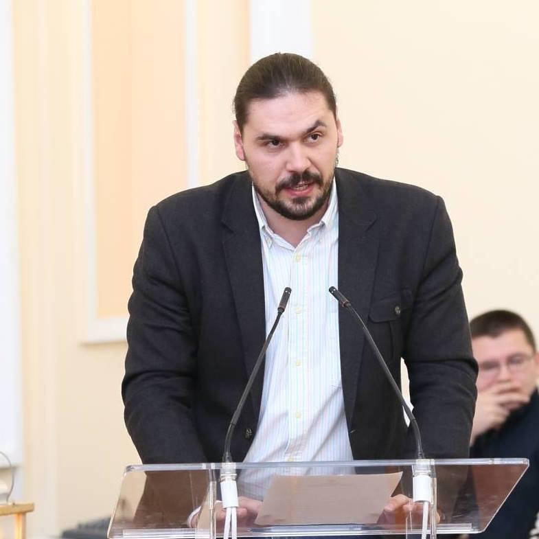 Андрій Шкула