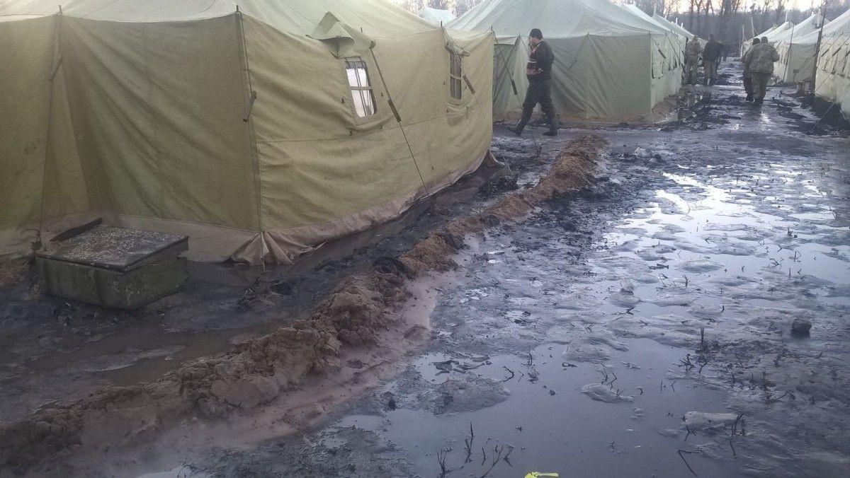 Військових 53-ої бригади розмістили в жахливих умовах перед виходом до зони АТО - волонтер