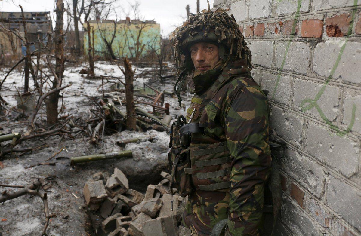 Український військовослужбовець у зоні проведення АТО / Фото УНІАН