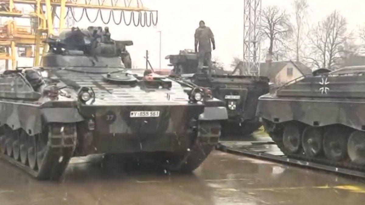 До Литви прибули німецькі танки і БМП для захисту східних кордонів НАТО