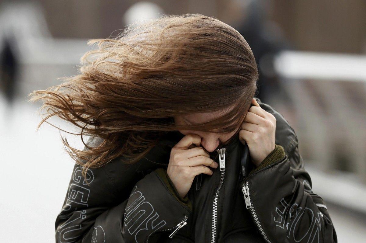 В западных областях порывы ветра будут достигать 15-20 м / с / фото Reuters