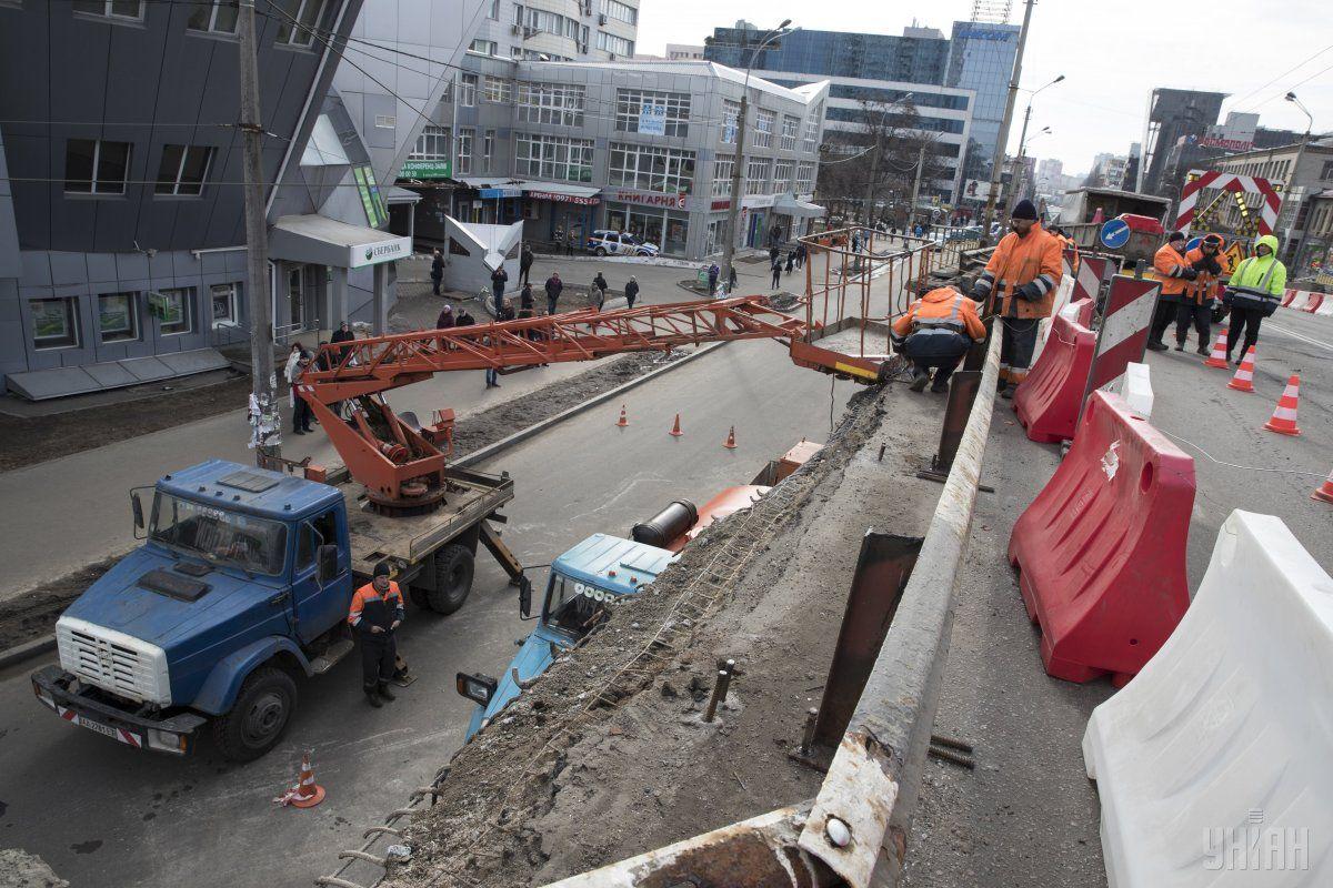 Обвал Шулявского моста в Киеве / УНИАН