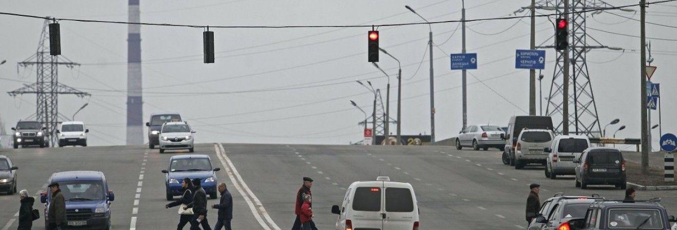 На автошляхах України практично без опадів, на заході температура до +20°