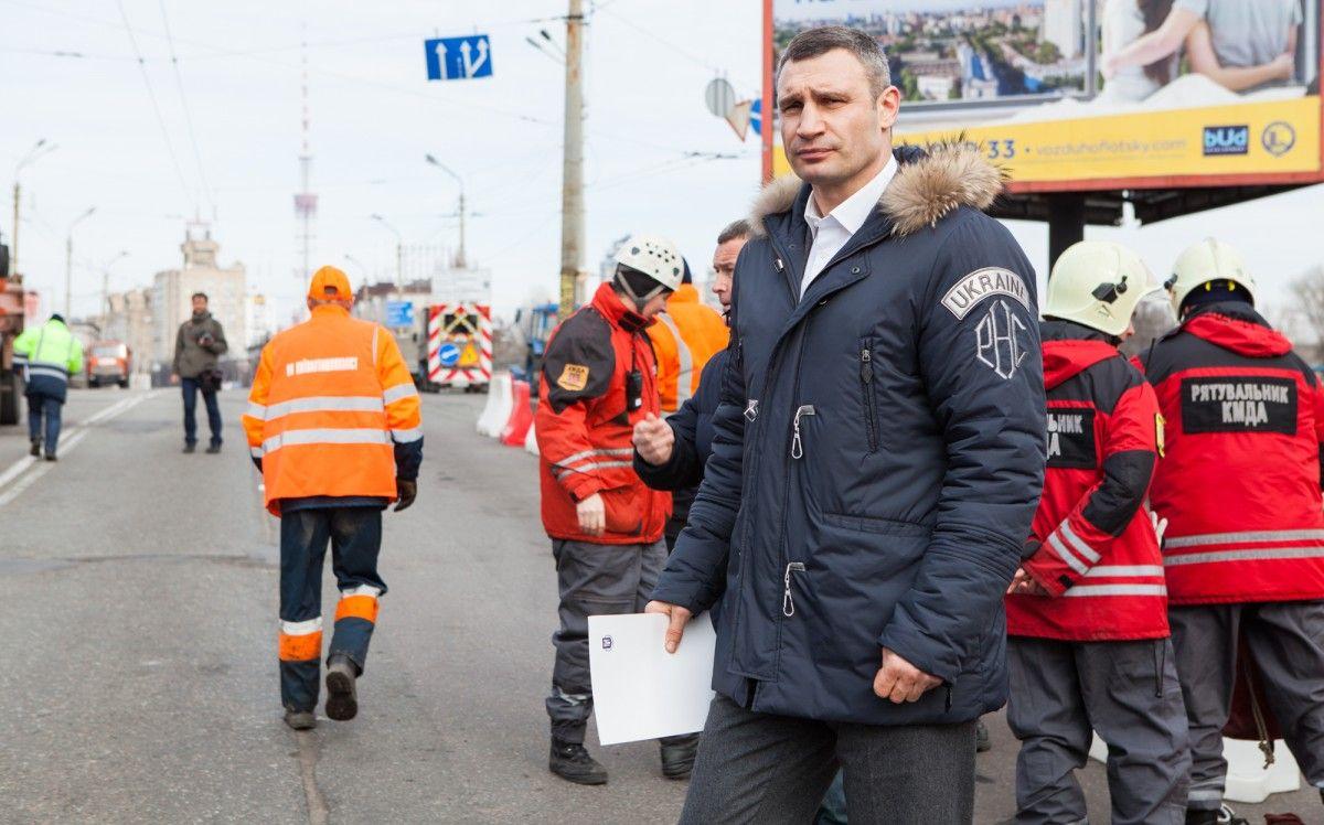 Політологи переконані, що саме така реакція голови Києва допоможе запобігти подібні випадки
