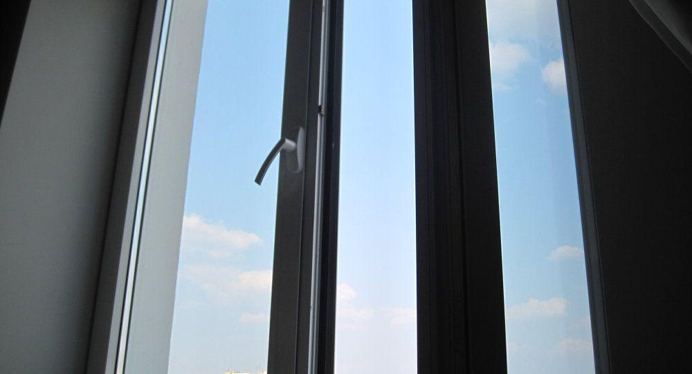 Подросток выпрыгнул с восьмого этажа / фото sputnik.by
