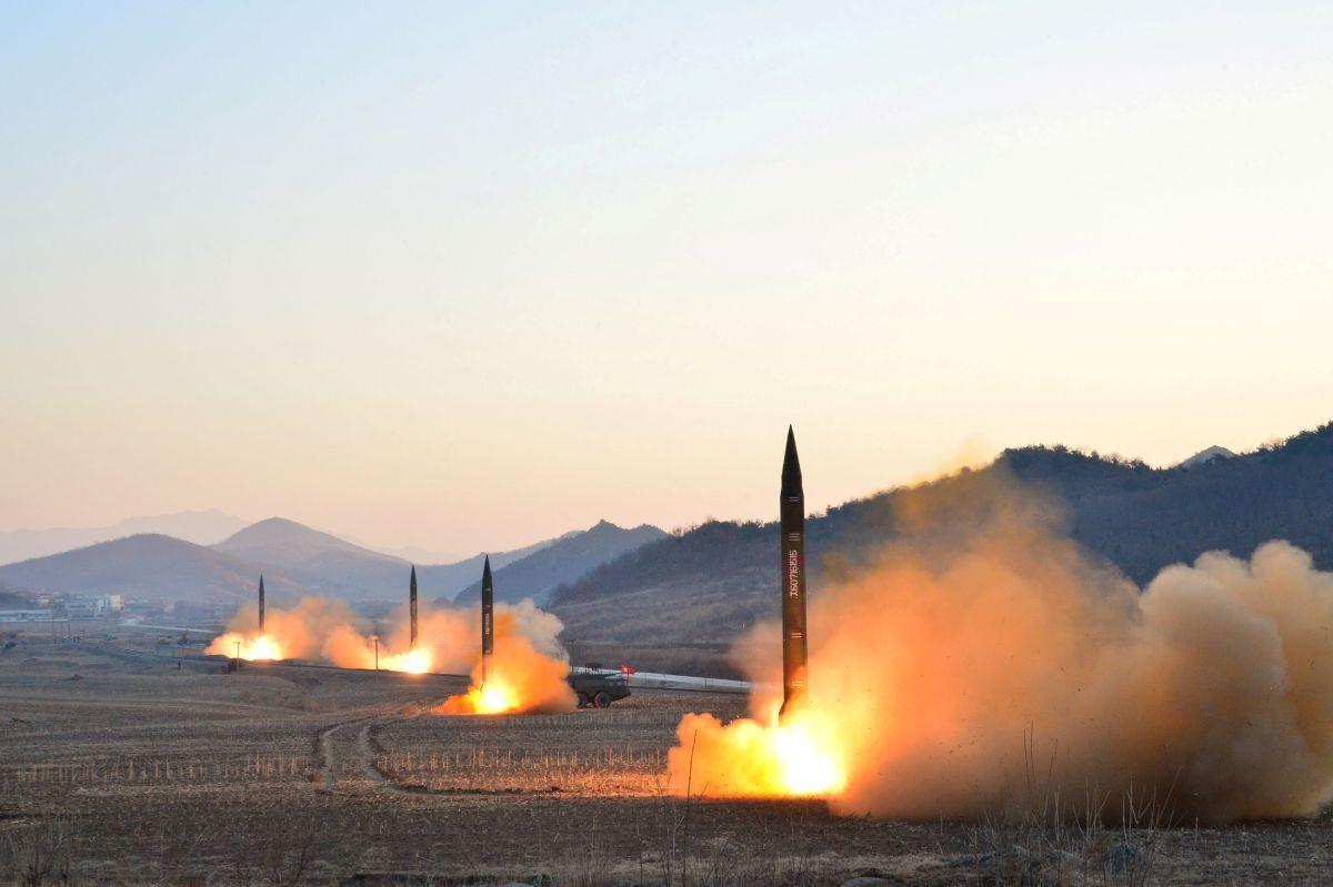 Ракетные испытания в КНДР / REUTERS
