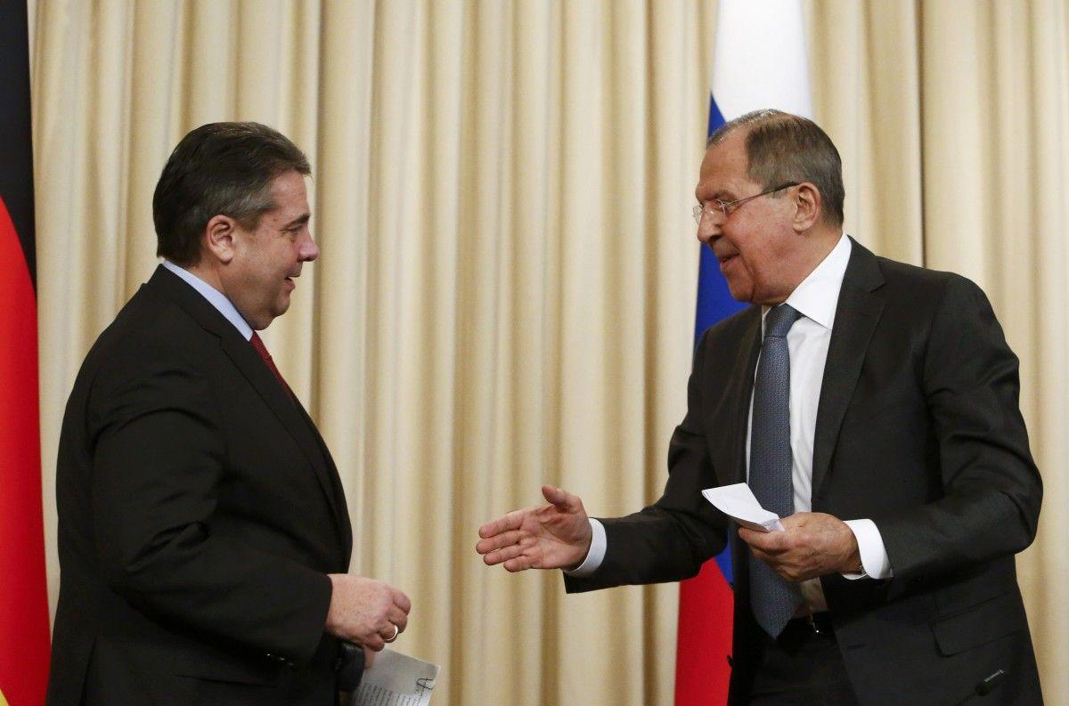 Зигмар Габриэль и Сергей Лавров / REUTERS