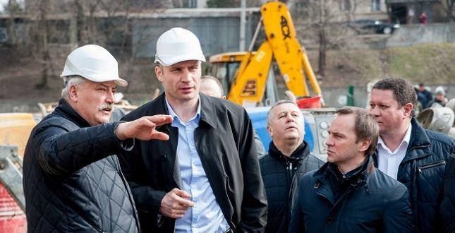 Віталій Кличко на будівництві школи / Фото kievcity.gov.ua