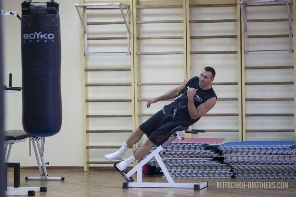 Кличко продовжує підготовку до бою з Джошуа / klitschko-brothers.com