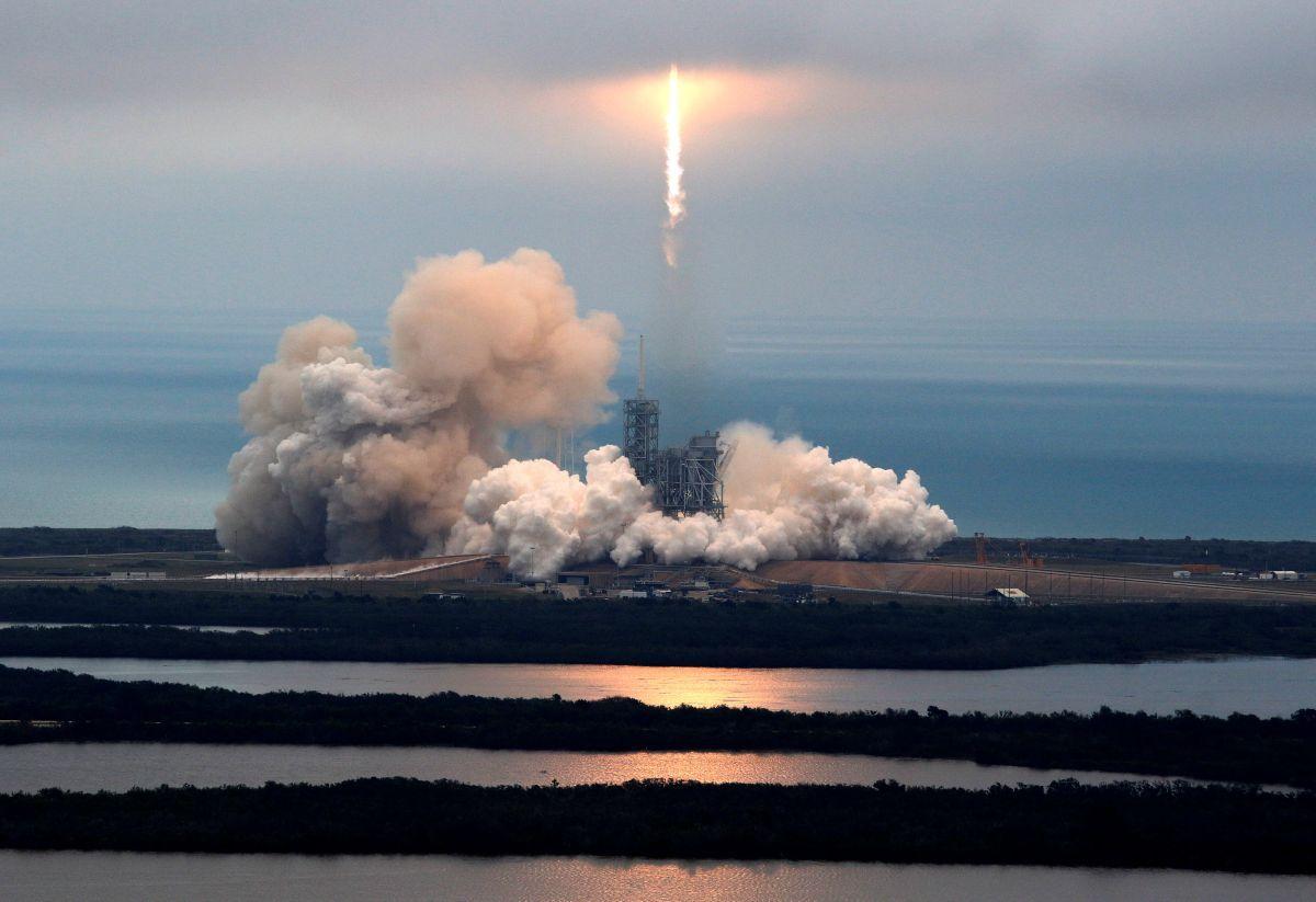 SpaceX успішно вивела на орбіту супутник EchoStar-23