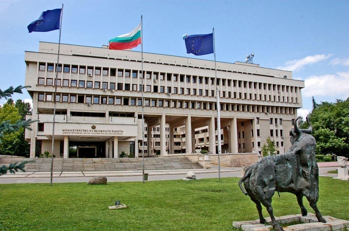 У Болгарії затримали близько 20 людей через продаж паспортівукраїнцям / mfa.bg