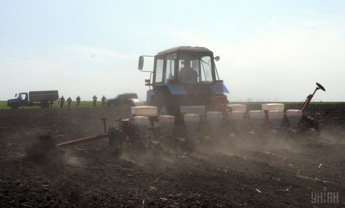 Украинские аграрии по программам господдержки приобрели техники на 355 миллионов / фото УНИАН