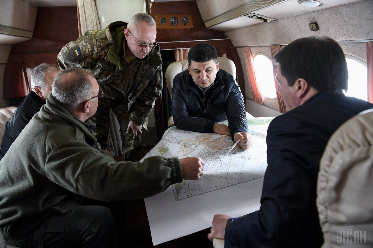 У Балаклії вогонь охопив близько 50% території військового арсеналу – Гройсман