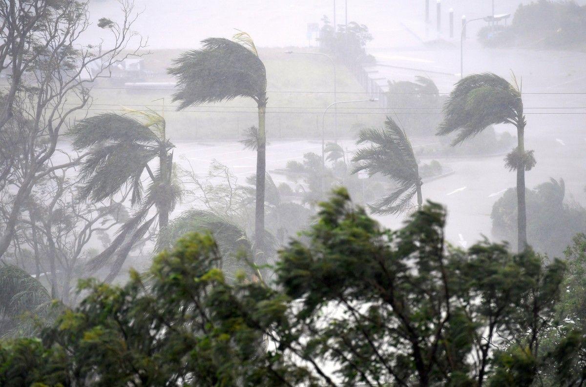 Тропічний циклон