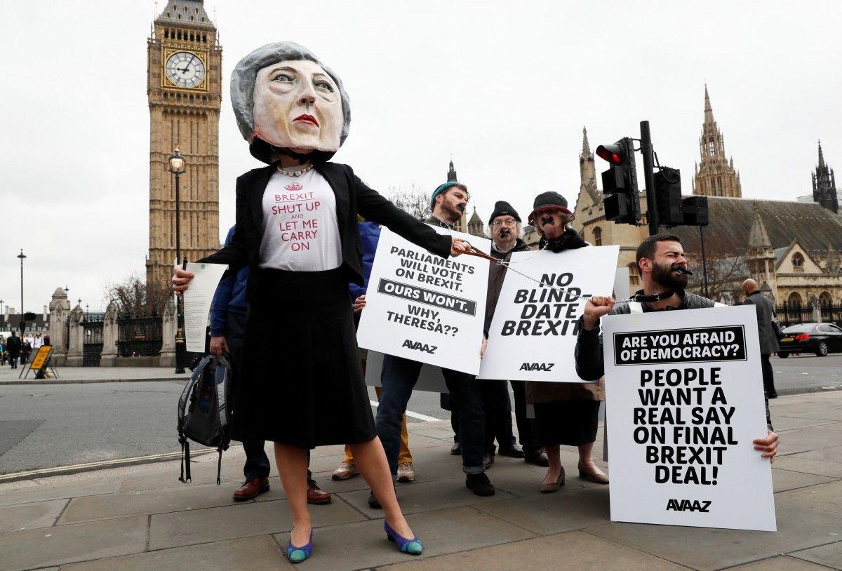 Великобритания официально начала процедуру выхода из ЕС / REUTERS