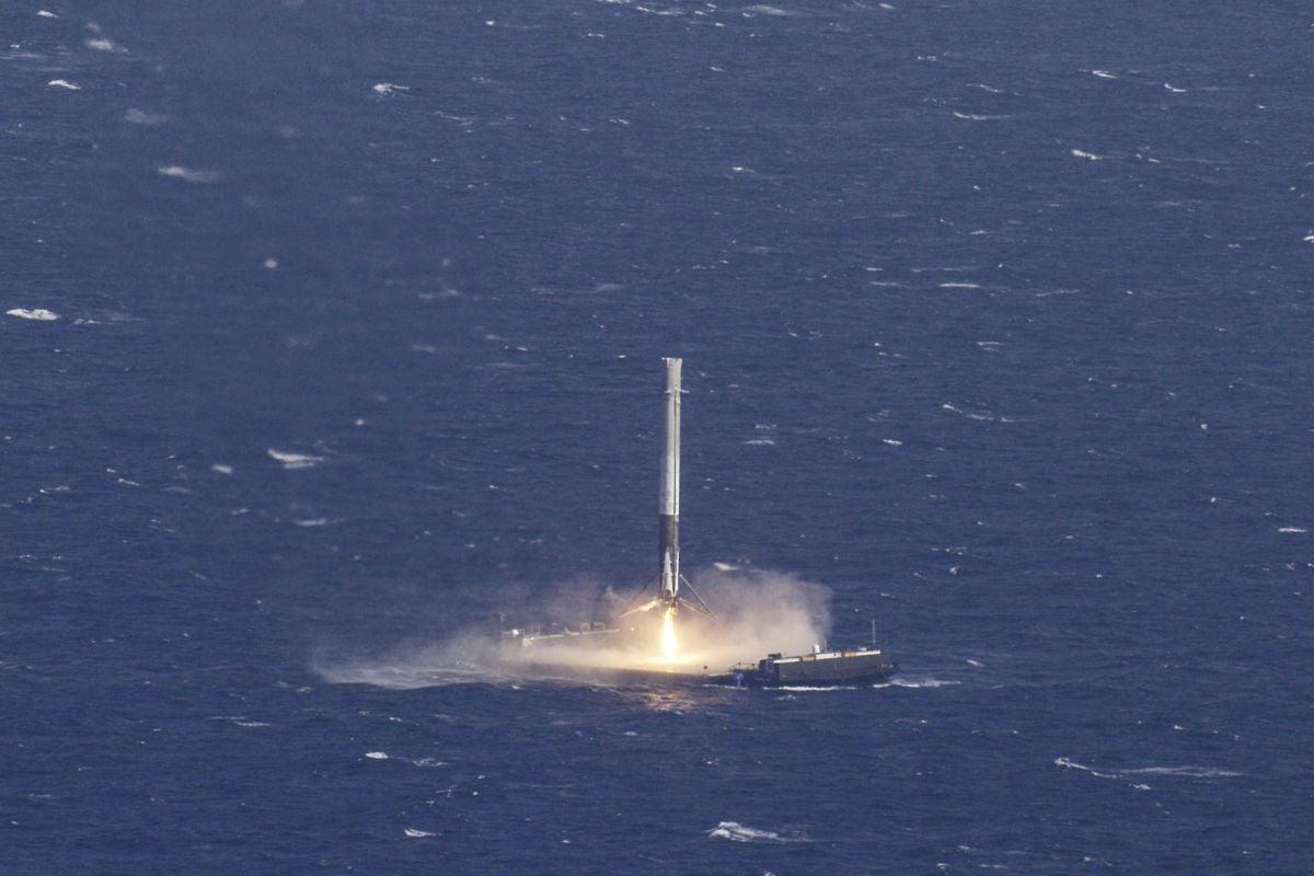 SpaceX запустит две ракеты Falcon 9 за48 часов