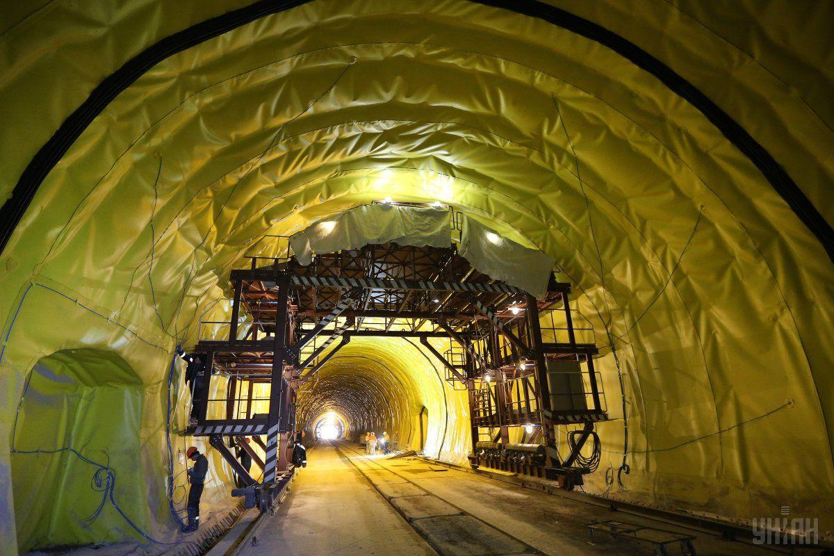 Бескидський тунель у Карпатах буде зданий в експлуатацію до кінця травня / фото УНІАН