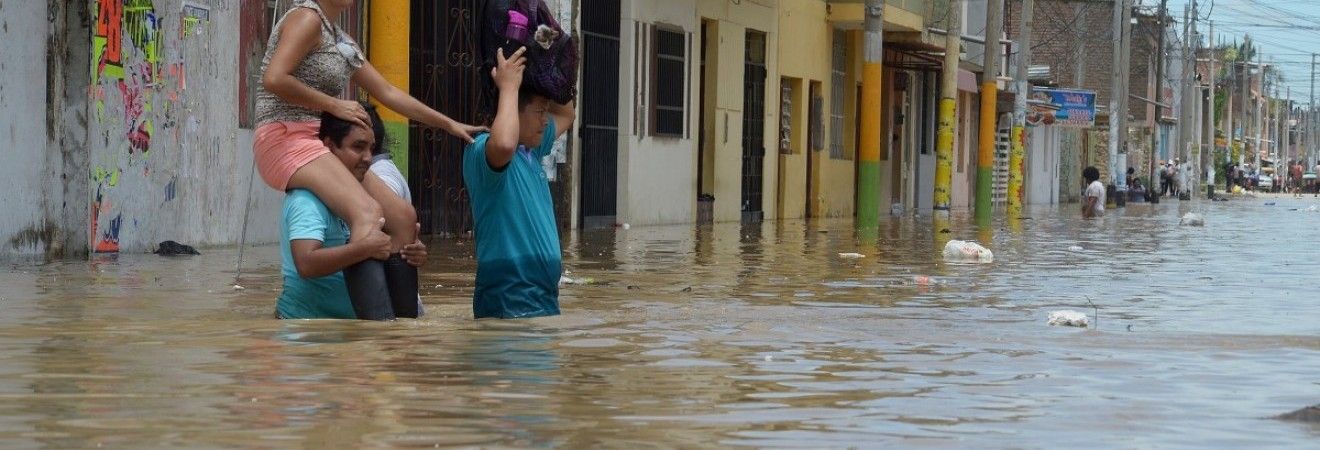 Наводнения и оползни в Непале: 30 человек погибли, 10 пропали без вести