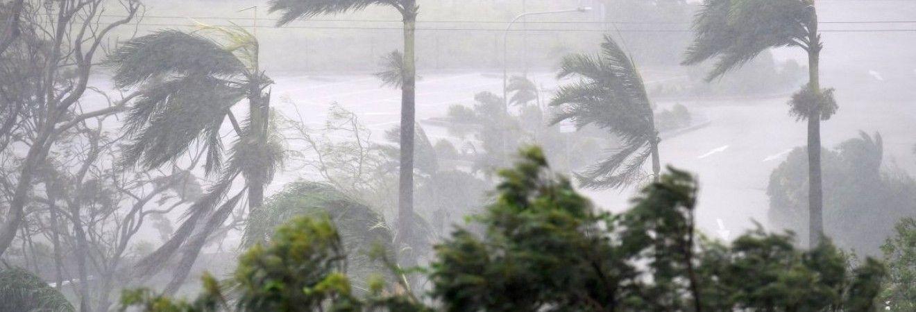 NASA показало, як виглядає потужний циклон