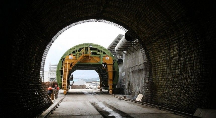 Порошенко відкрив Бескидський тунель у Карпатах (відео)
