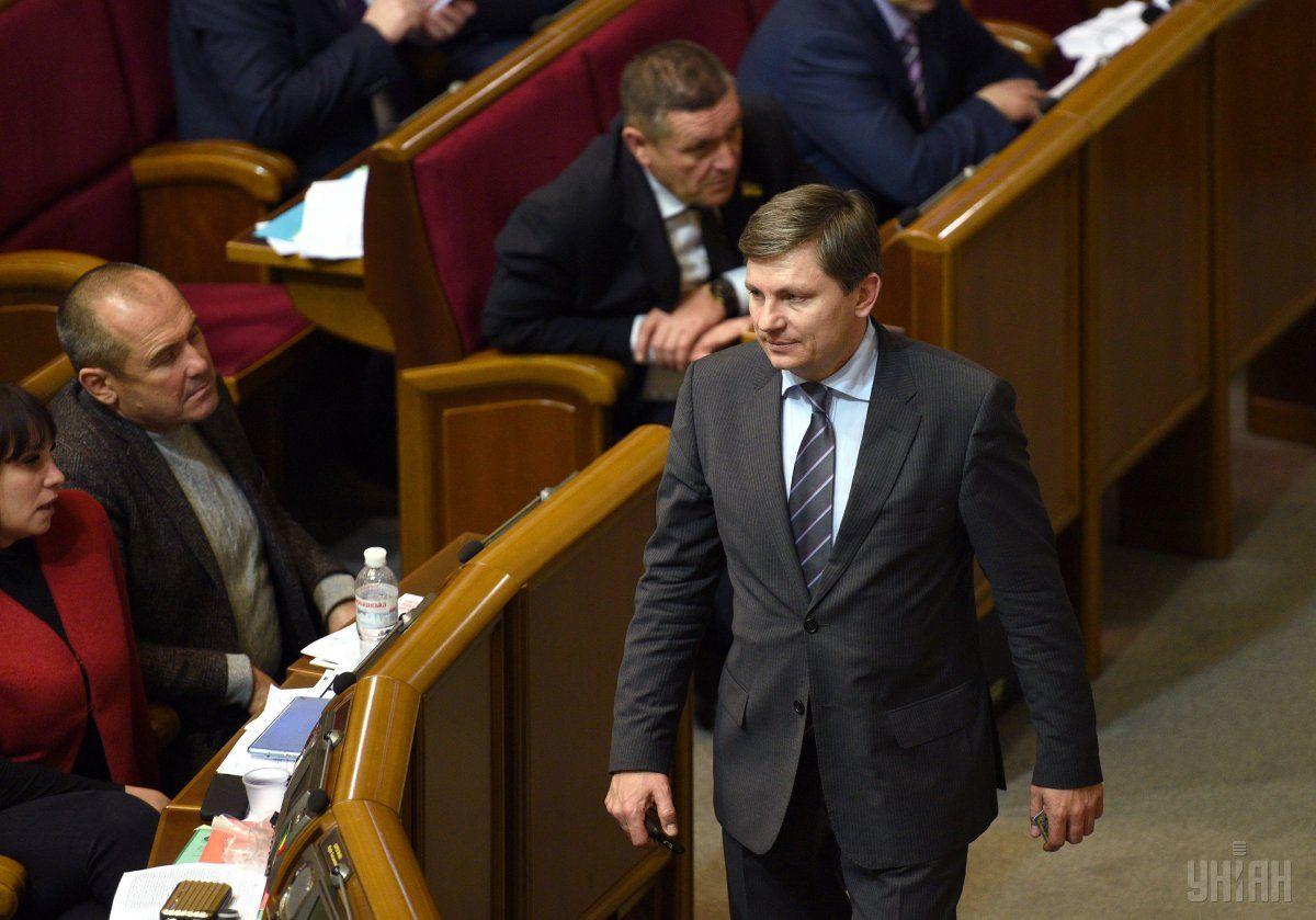 Законодательный проект ореинтеграции Донбасса совсем скоро обсудят собщественностью— народный депутат