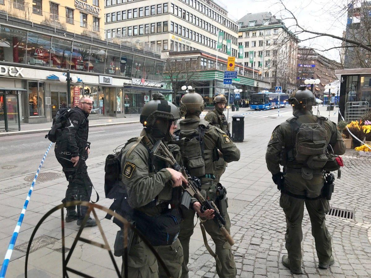 Правоохранители в центре Стокгольма / REUTERS