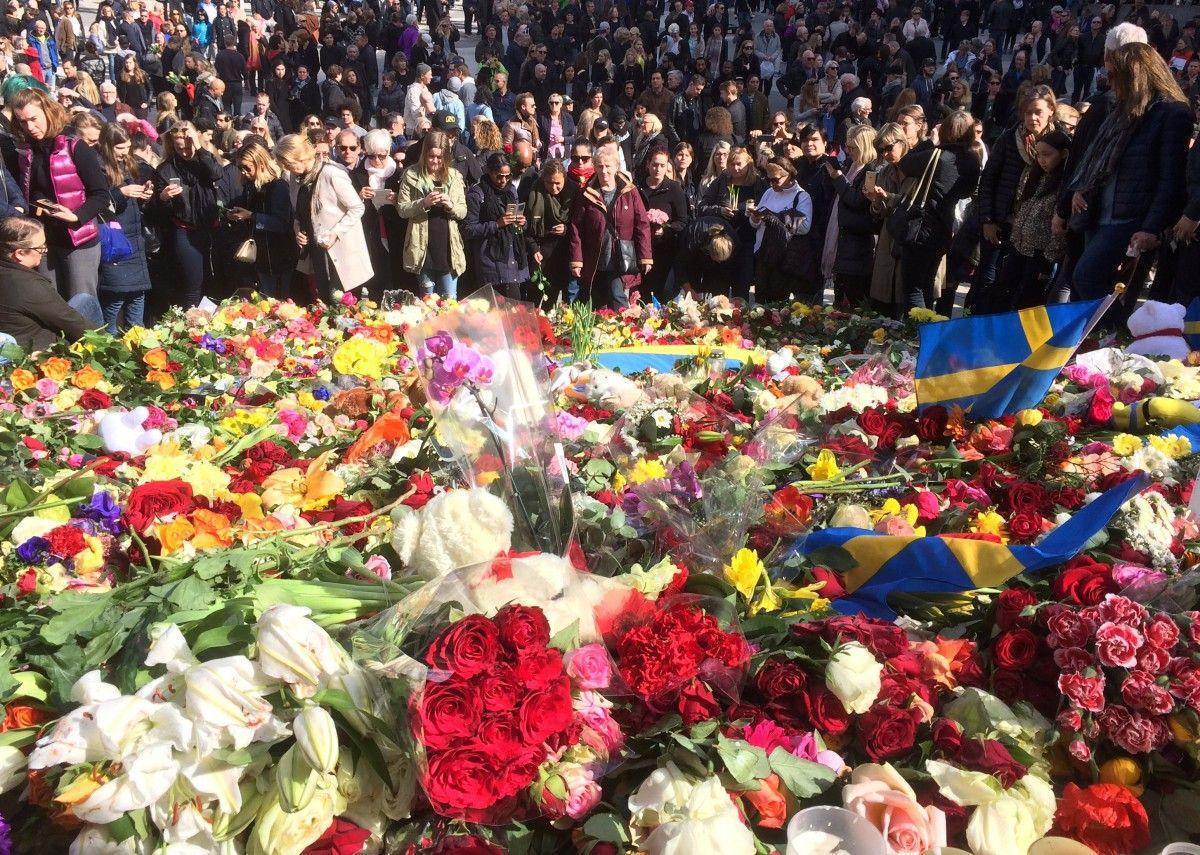 Акция памяти жертв теракта в Стокгольме / REUTERS