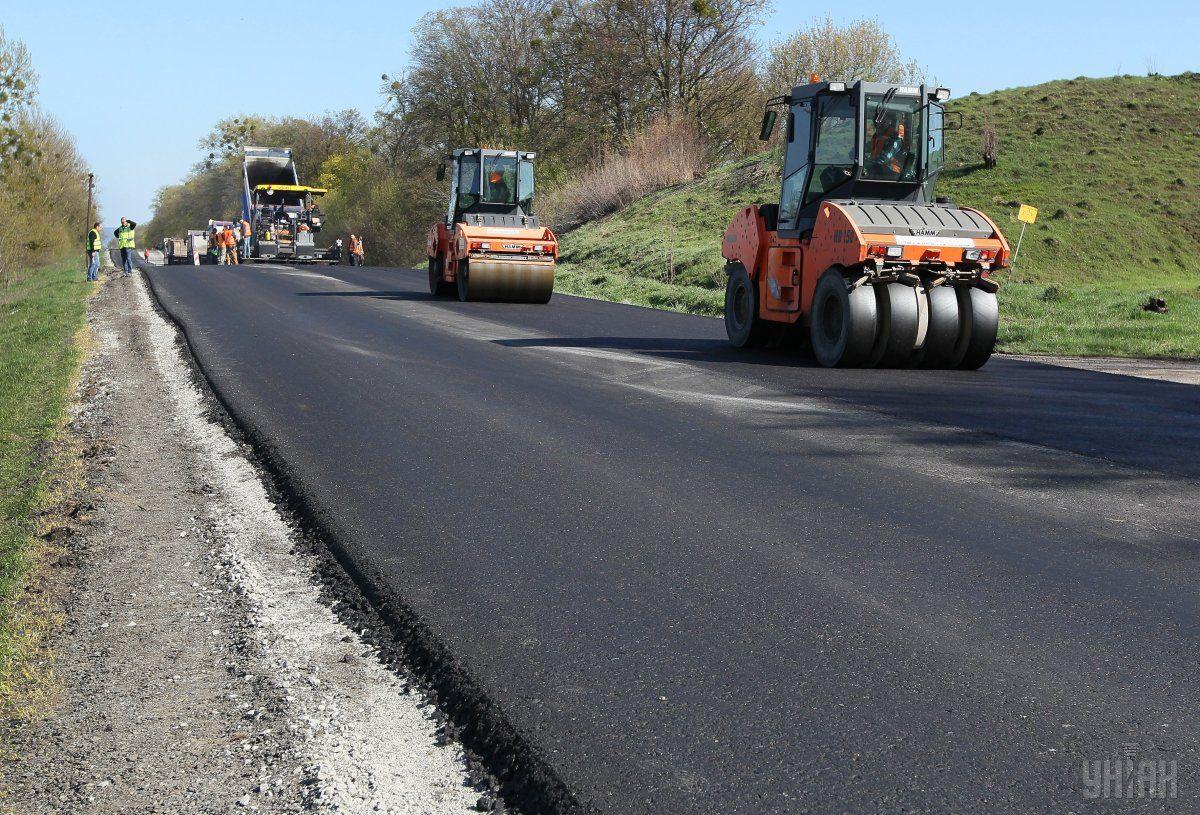 Першу платну дорогу можуть розпочати будувати у 2019 році/ фото УНІАН