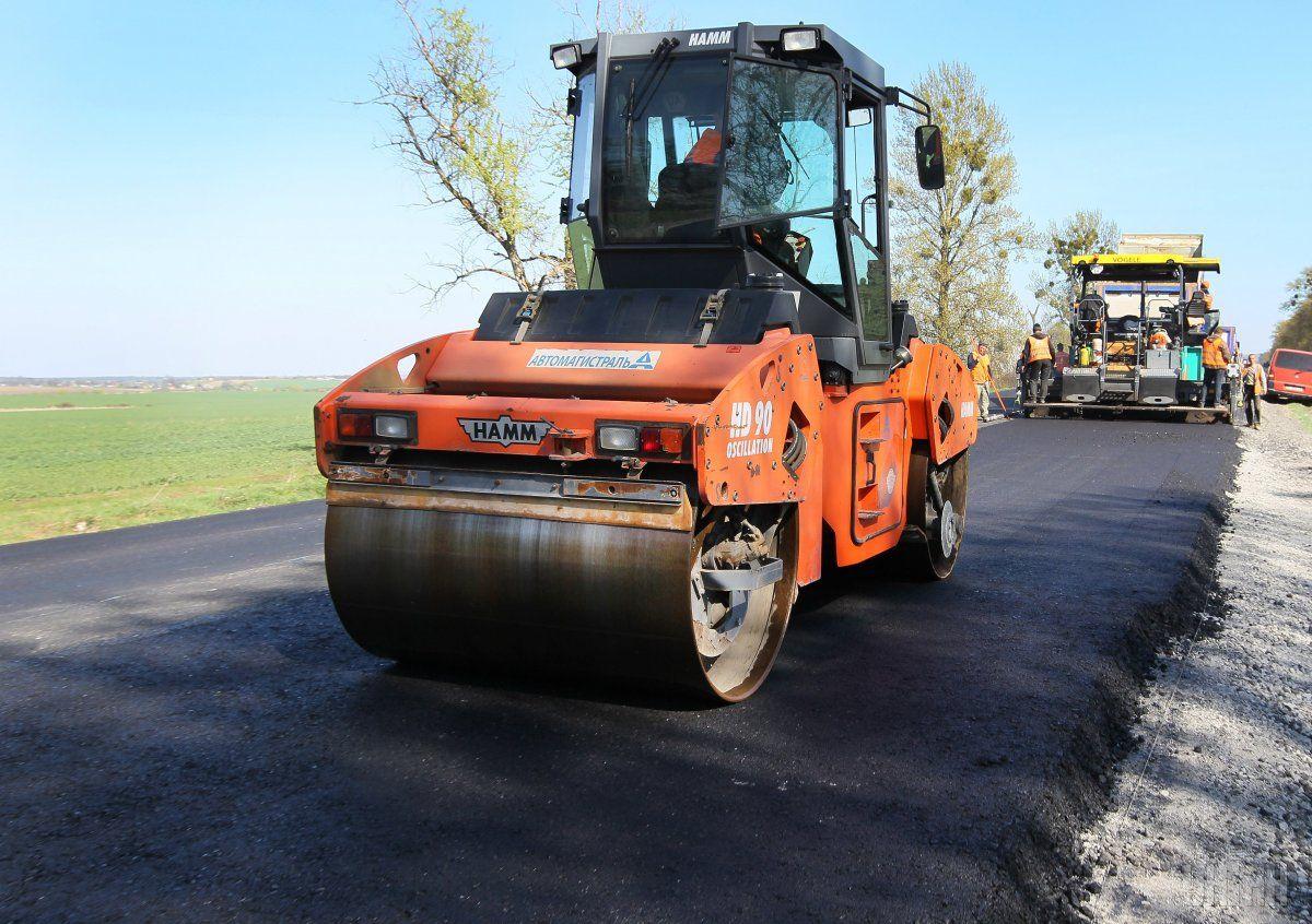Зеленский пообещал продолжить масштабное строительство дорог  / Фото УНИАН