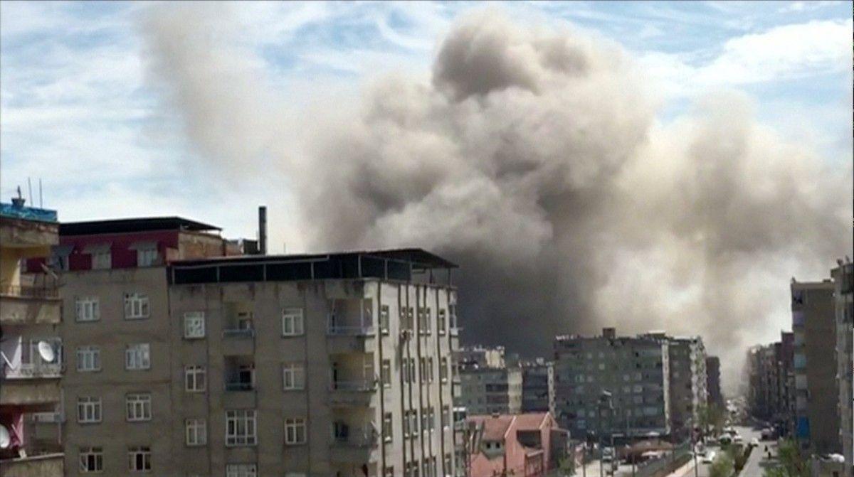 Взрыв в городе Диярбакыр / REUTERS